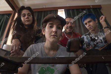 Cassandra Ciangherotti as Ursula, Ana Fabrega as Tati, Bernardo Velasco as Renaldo and Julio Torres as Andres