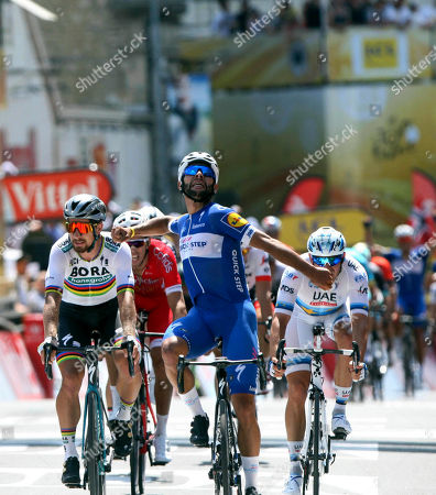 Stage 1 Normoutier - Fontenay le Comte 201kms 1st Fernando GAVIRIA (Col) 2nd Peter Sagan, 3rd Marcel Kittel, 4th Alexander Kristoff, 5th LAPORTE 6th GROENEWEGEN.