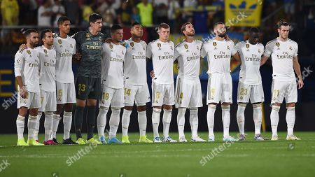 Real Madrid team group during the minute of silence by Luis Enrique Martinez's daughter