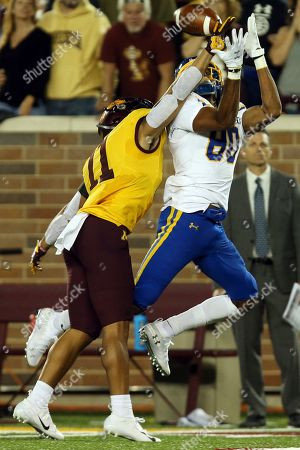 Minnesota defensive back Antoine Winfield Jr. (11) blocks the ball to South Dakota State wide receiver Adam Anderson (80) during an NCAA college football game, in Minneapolis