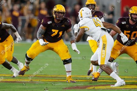 Arizona State Sun Devils offensive lineman Steven Miller (71) during an NCAA football game against the Kent State Golden Flashes on in Tempe, Ariz