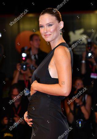Stock Picture of Bar Refaeli pregnant