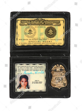 Clarice Starling's (Jodie Foster) prototype FBI credentials from Jonathan Demme's Oscar-winning thriller The Silence of the Lambs. Estimate: £2000 - £3000.
