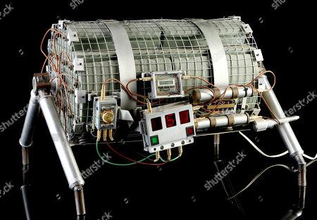 Howard Payne's (Dennis Hopper) bus bomb from Jan De Bont's action thriller Speed. Estimate: £8000 - £10000.