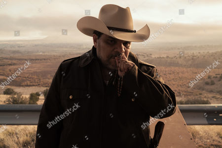 Stock Photo of Luis Guzman as Hector Contreras