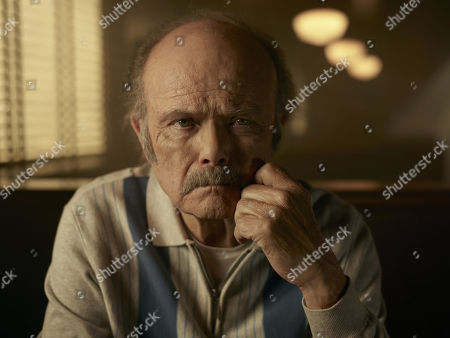Kurtwood Smith as Uncle Dave