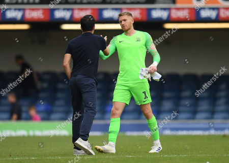 Southend United Goalkeeper Mark Oxley shakes hands with Rochdale Manager Brian Barry-Murphy