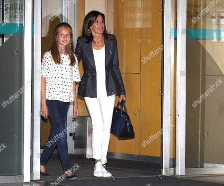 Spain's Queen Letizia (R) and her daughter, Princess Leonor (L), leave the Hospital Quiron Salud Madrid following their visit to emeritus King Juan Carlos I (unseen), in the town of Pozuelo de Alarcon, outside Madrid, Spain, 30 August 2019. The monarch recovers in the hospital from a triple bypass surgery on 24 August.