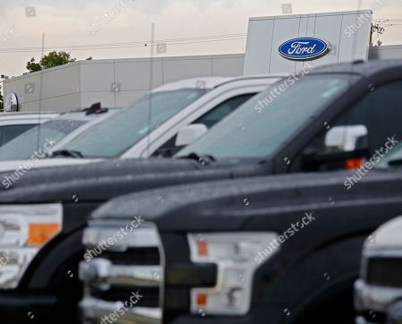 Ford Dealership Greenville Tx >> Ford Recalls More Than 550000 Vehicles Texas Stock Photos