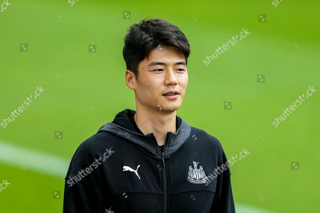 Ki Sung-Yueng (#4) of Newcastle United arrives ahead of the Premier League match between Newcastle United and Watford at St. James's Park, Newcastle