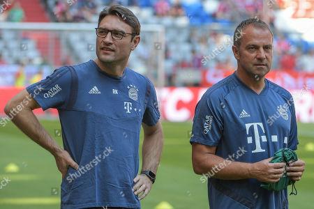 Co-Trainer Robert Kovac (FC Bayern Muenchen) links und Co-Trainer Hansi Flick (FC Bayern Muenchen), FC Bayern Muenchen - 1.FSV Mainz 05, Bundesliga, 31.08.2019