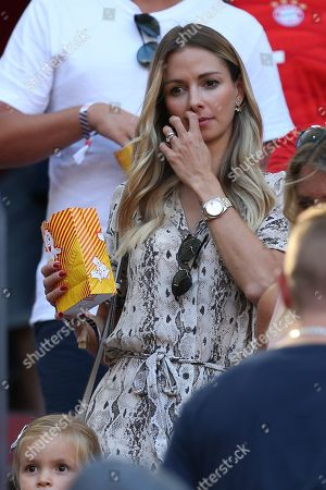 Lisa, Wife of Sven Ulreich #26 (FC Bayern Muenchen), FC Bayern Muenchen vs. 1. FSV Mainz 05, Football, 1.Bundesliga, 31.08.2019, DFB regulations prohibit any use of photographs as image sequences and/or quasi-video