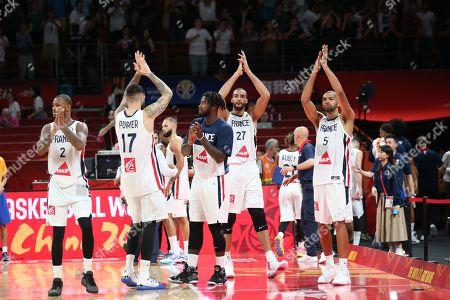 Die Spiler klatschen den Fans zu, Amath M´Baye #2 (France), Vincent Poirier #17 (France), Rudy Gobert #27 (France), Nicolas Batum #5 (France), France vs. Germany, Basketball, , FIBA World Cup 2019, 01.09.2019