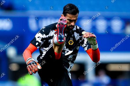 Rui Patricio of Wolverhampton Wanderers warms up