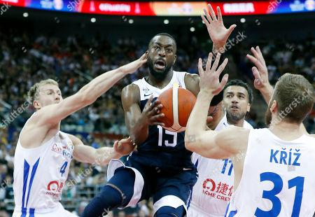 Kemba Walker of USA (2-L) in action during the FIBA Basketball World Cup 2019 group E first ?round? match between Czech Republic and USA in Shanghai, China, 01 September 2019.