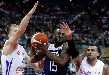 Kemba Walker of USA (C) in action during the FIBA Basketball World Cup 2019 group E first ?round? match between Czech Republic and USA in Shanghai, China, 01 September 2019.