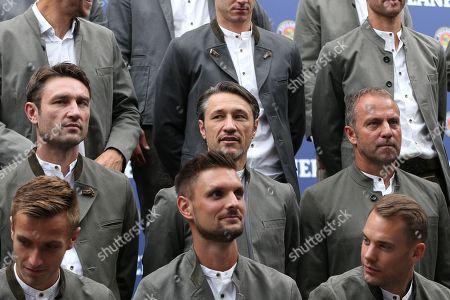 Co-Trainer Robert Kovac (FC Bayern Muenchen), Chef-Trainer Nico Kovac (FC Bayern Muenchen), Co-Trainer Hans-Dieter Flick (FC Bayern Muenchen) beim Fotoshooting, FC Bayern Muenchen Lederhosenshooting, Football, 01.09.2019