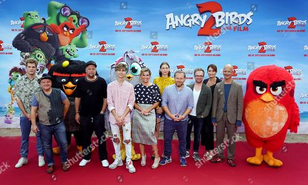 German voice actors YouTuber Joey of Joeyâ??s Jungle, actor Axel Prahl, rapper Smudo, singer Lukas Rieger, comedian Anke Engelke, actress Christiane Paul, actor Axel Stein, comedian Ralf Schmitz, actress Anja Kling and actor Christoph Maria Herbst attend the German premiere of the movie 'Angry Birds 2' in Berlin, Germany, 01 September 2019.