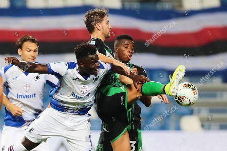 Sampdoria's Ronaldo Vieira (2-L) in action against Sassuolo players Manuel Locatelli (C) and Junior Traore (R) during the Italian Serie A soccer match between US Sassuolo Calcio and UC Sampdoria in Reggio Emilia, Italy, 01 September 2019.