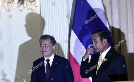 South Korean President Moon Jae-in (L) and Thailand's Prime Minister Prayuth Chan-ocha (R) leave after a joint press conference at the Government House of Thailand in Bangkok, Thailand, 02 September 2019. Moon is on a three-nation t?rip to Southeast Asia where he will visitsThailand, Myanmar, Laos.