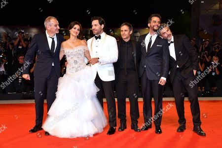 Director Olivier Assayas with cast : Penelope Cruz, Edgar Ramirez, Gael Garcia Bernal, Wagner Moura, Leonardo Sbaraglia