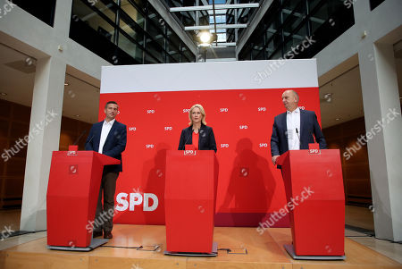(L-R) Saxony chairman and top candidate of the Social Democratic Party (SPD) Martin Dulig, the interim party leadership of the SPD, Premier of Mecklenburg-Western Pomerania Manuela Schwesig and Brandenburg Premier and chairman of the Social Democratic Party (SPD) Dietmar Woidke hold a press conference at the SPD's headquarters in Berlin, Germany, 02 September 2019.The SPD suffered losses in both the Brandenburg and Saxony state elections.
