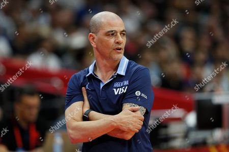 Argentina head coach Sergio Hernandez reacts during the FIBA Basketball World Cup 2019 match between Nigeria and Argentina in Wuhan, China, 02 September 2019.