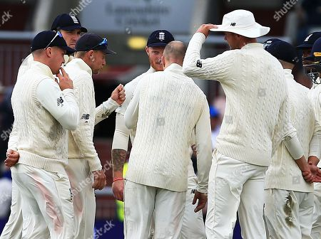 Joe Root of England has a strong word with his team after Steve Smith of Australia was not out because of a no ball from Jack Leach
