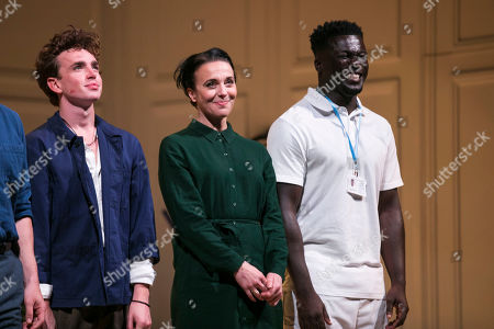Laurie Kynaston (Nicolas), Amanda Abbington (Anne) and Cudjoe Asare (Nurse) during the curtain call