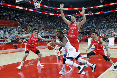 Kemba Walker of USA (C) in action during the FIBA Basketball World Cup 2019 group E first ?round? match between the USA and Turkey in Shanghai, China, 03 September 2019.