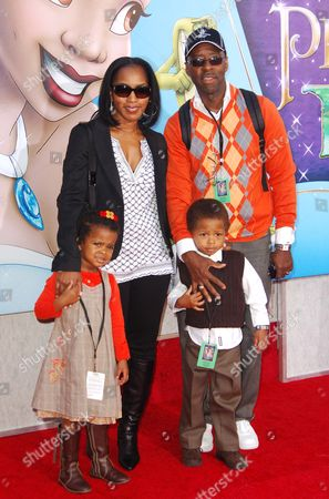 Stock Photo of Angela Bassett, Courtney Vance and children