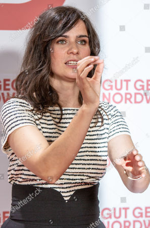 Nora Tschirner poses for a photo on the red carpet prior to a Family and Friends Preview of 'Gut gegen Nordwind' in Berlin, Germany, 04 September 2019. The movie opens in German theaters on 12 September.