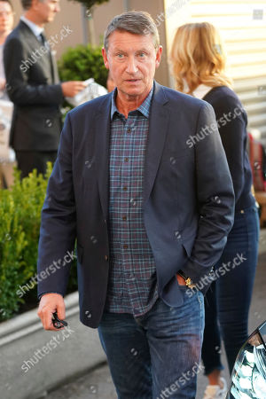 Wayne Gretzky attends the quarterfinals of the U.S. Open tennis championships, in New York