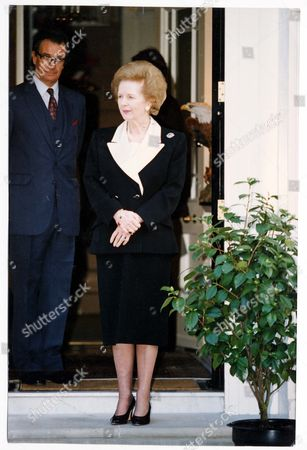 Baroness Thatcher - Prime Minister - 1993 Mikhail Gorbachev The Last Soviet President And His Wife Raisa Are Greeted By Baroness Thatcher For Lunch At Her Belgravia Home Yesterday. Neither Former Leader's Office Wanted To Disclose What Was On The Menu Or What Was Discussed But The Gorbachevs Emerged Afterf An Hour And A Half With An Aide Clutching Four Brightly Wrapped Christmas Presents. Later Mr Gorbachev Who Is On A Six Day Tour Of Britain Shared A Platform With Lords Healy And Howe And Sir Davod Steel Before An Audience Of 2 000 At Central Hall Westminister. They Answered Questions On International Issues. Mr Gorbachev Will Lunch With John Major At Downing Street At Downing Street Today. He Will Be Presented With Sir Winston Churchill Award By The Wartime Leader's Daughter Lady Mary Soames And His Grandson Winston Churchill Mp At Guildhall In The City This Evening. On Thursday Mr Gorbachev Will Tour Oxford University. His Friday Itinerary Takes Him To Bristol Where He Will Recieve An Honorary Degree.... Picture Desk ** Pkt5738-422584