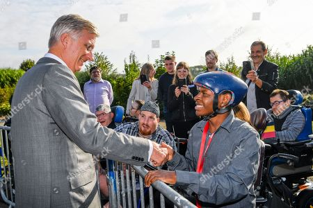 King Philippe visits the Province of Heynowes. They go first to Bienne-Lez-Happart (Lobbes) to visit the Centre Arthur Regniers, a medical-educational institute for people with cerebral palsy and motor impairment. A brief visit is also planned at the Collégiale Saint-Ursmer of Lobbes, which celebrates its millennium. The Sovereigns then go to Charleroi to visit the new MaSTheCcell production facilities in the Biopark. They attend a presentation of the CATCH Plan (CATalyst 4 CHarleroi) which is followed by a meeting with young CEO's of the Biopark companies. The tour ends at Quia 10 in downtown Charleroi, a vibrant and interactive animated image center that offers a cultural and educational approach to film and gaming.