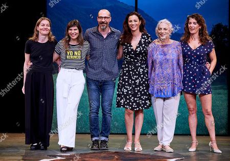Nuria Gonzalez, Monica Regueiro, Fele Martinez, Ana Alvarez, Lola Casamayor and Lucia Barrado