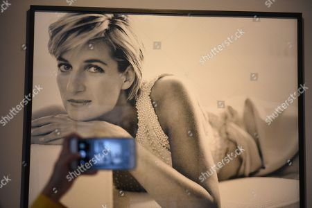 A portrait of Lady Diana at the Mate museum during the exhibition in Lima