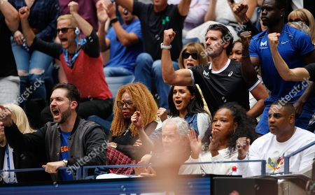 The player's box of Serena Williams with Meghan Duchess of Sussex, cheer during the Women's Final