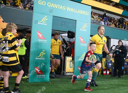 Wallabies captain David Pocock leads his team onto the field before the start of the Australian Wallabies and Manu Samoa International rugby match at Bankwest Stadium in Sydney, Australia, 07 September 2019.