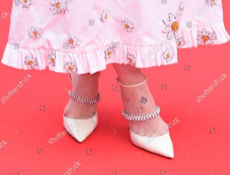 Sarah Paulson, shoe detail