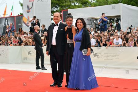 Alessandra Mastronardi with her famiily during closing ceremony red carpet