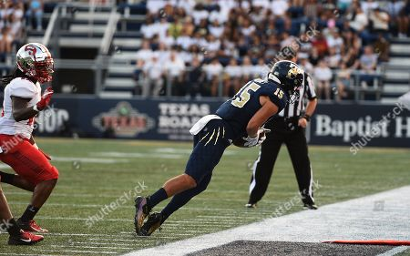 FIU Golden Panthers wide receiver Austin Maloney (15) makes a catch on the sideline during NCAA football action between the WKU Hilltoppers vs FIU Golden Panthers at Riccardo Silva Stadium in Miami, FL (Photo Credit: Steve Roberts/CSM)