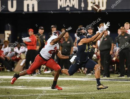 FIU Golden Panthers wide receiver Austin Maloney (15) makes a catch during NCAA football action between the WKU Hilltoppers vs FIU Golden Panthers at Riccardo Silva Stadium in Miami, FL (Photo Credit: Steve Roberts/CSM)