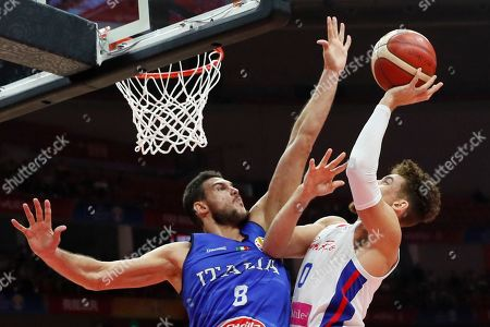Isaiah Pineiro (R) of Puerto Rico in action against Danilo Gallinari of Italy during the FIBA Basketball World Cup 2019 match between Puerto Rico and Italy in Wuhan, China, 08 September 2019.