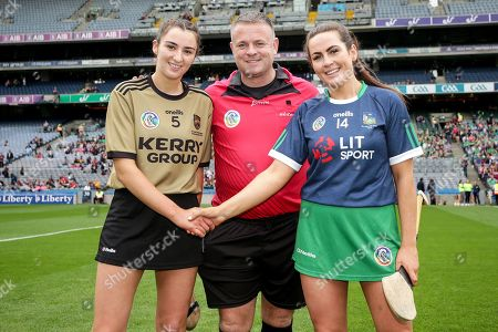 Kerry vs Limerick. Kerry's Niamh Leen, referee Gavin Donegan and Limerick's Grace Lee during the coin toss