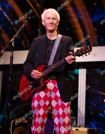 Robby Krieger perform