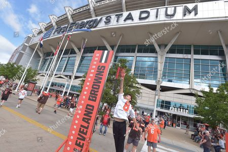 Ian Smith participates in a vertical jump test before an NFL football game between the Tennessee Titans and the Cleveland Browns, in Cleveland