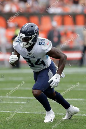 Tennessee Titans wide receiver Corey Davis (84) plays against the Cleveland Browns during the second half in an NFL football game, in Cleveland