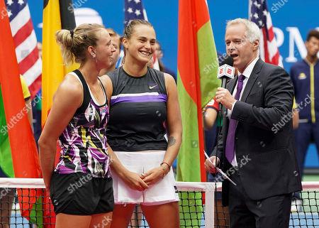 ESPN Presenter Patrick McEnroe interviews Sieger Aryna Sabalenka und Elise Mertens