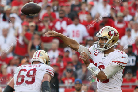 San Francisco 49ers quarterback Jimmy Garoppolo (10) throws the ball during the NFL game between the San Francisco 49ers and the Tampa Bay Buccaneers held at Raymond James Stadium in Tampa, Florida. Andrew J